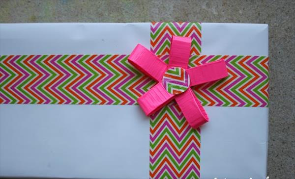 duct-tape-gift-wrap (4)