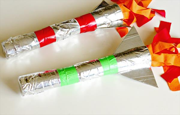 Kids Craft Tutorial: Duct Tape Rockets