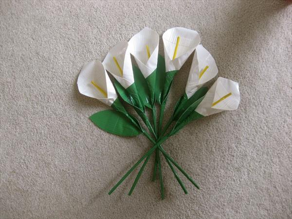 diy duct tape lily flower bouquet