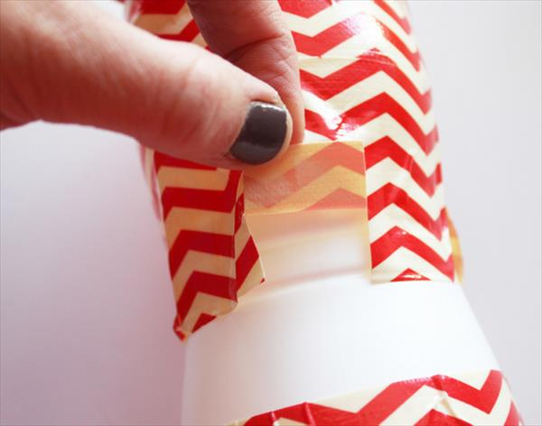 snipping of duct tape for curved surface